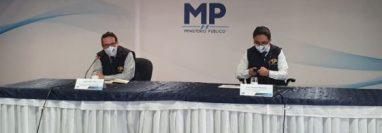 Fiscales de la FECI en conferencia de prensa para denunciar actos anómalos. (Foto Prensa Libre: MP)