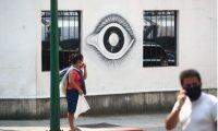 El gobierno tiene personal que verifica el cumplimiento de los casos en cuarentena. (Foto Prensa Libre: Carlos Hernández)