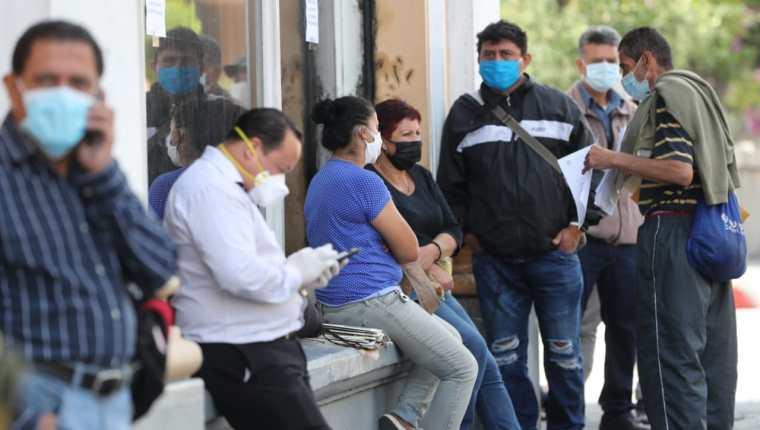 El Ministerio de Trabajo presentará la guía para para el cumplimiento de las normas de seguridad ocupacional para el covid-19 en los centros de trabajo. (Foto Prensa Libre: Hemeroteca)