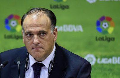 El máximo dirigente de LaLiga habló de los escenarios que tienen para reanudar la competencia de futbol en España. Foto Prensa Libre: Tomada de redes