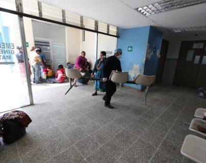Ingreso al hospital de Totonicapán, donde estuvo una paciente que falleció por coronavirus. (Foto Prensa Libre: Hemeroteca PL)