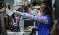 Hay empresas que están operando porque prestan servicios esenciales, otras lo hacen de forma parcial, mientras que otras están cerradas totalmente. (Foto, Prensa Libre: Hemeroteca PL).