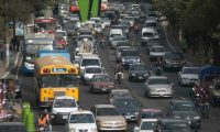 El mercado asegurador para el segmento de vehículos presenta variables por el efecto del confinamiento y las restricciones de movilización por el covid-19, informó el presidente de Agis. (Foto Prensa Libre: Hemeroteca)