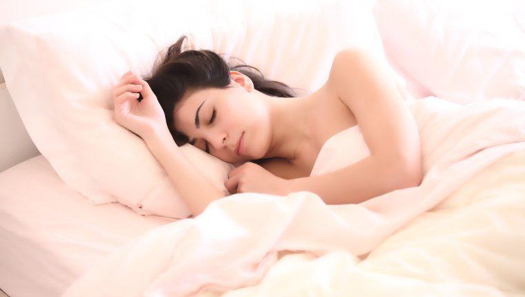 Tener un descanso apropiado es importante para la salud física y emocional. (Foto Prensa Libre: Pixabay)