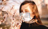 La pérdida del olfato es reversible y la mayoría de personas deben recuperarlo en un máximo de dos meses.