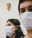 Aníbal y Renata se contagiaron de dengue en sus casas mientras cumplían con la estricta cuarentena de Argentina. GENTILEZA ANÍBAL VECCHIO