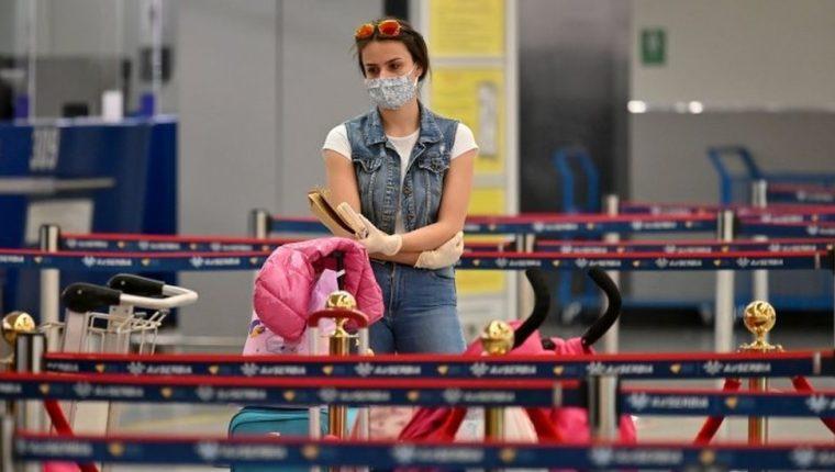 El coronavirus ha cambiado muchas cosas del mundo en el que vivimos... y los viajes en avión no serán una excepción. AFP