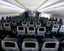 IN FLIGHT - MAY 11: Many of the seats aboard a United Airlines flight sit empty on May 11, 2020 in flight to Houston, Texas from San Francisco. Air travel is down as estimated 94 percent due to the coronavirus (COVID-19) pandemic, causing U.S. airlines to take a major financial hit with losses of $350 million to $400 million a day and nearly half of major carriers airplanes are sitting idle.   Justin Sullivan/Getty Images/AFP == FOR NEWSPAPERS, INTERNET, TELCOS & TELEVISION USE ONLY ==