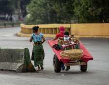 La economía informal en la capital y la provincia se ha visto seriamente afectada por la pandemia. (Foto Prensa Libre: Hemeroteca PL)
