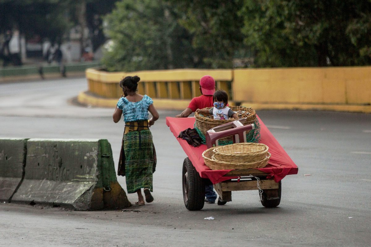 Comunas compran Q35 millones en alimentos para intentar atenuar el hambre