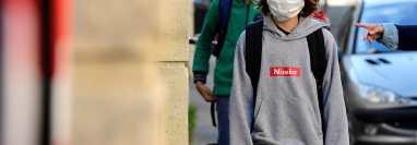 Los estudiantes de zonas francesas con menos contagios de covid-19 no serán obligados a usar mascarilla. (Foto Prensa Libre: HemerotecaPL)