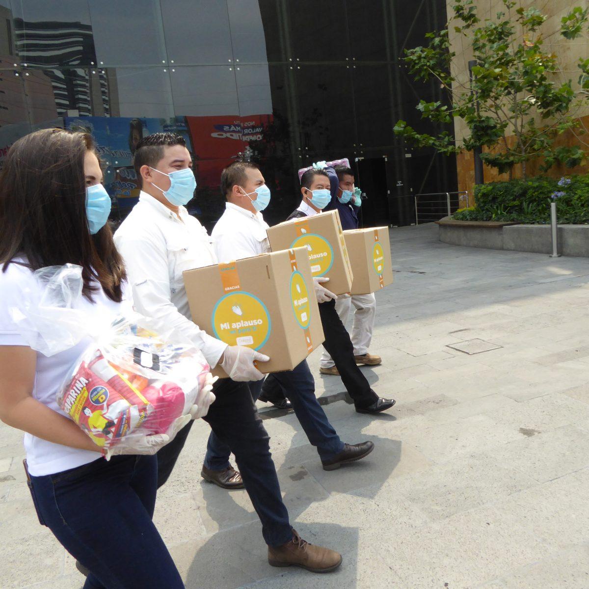 Spectrum entregó bolsas de víveres como agradecimiento a servidores públicos e instituciones sociales