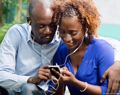 La fórmula de una relación duradera: comunicación y similar deseo de cercanía y atención mutua.