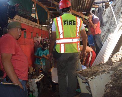 Dos niñas murieron soterradas en Zacapa al desplomarse la vivienda donde residían. (Foto Prensa Libre: Conred)