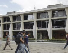 El gasto tributario en las universidades fue por Q1 mil 090.11 millones, y en los centros educativos, Q1 mil 087.28 millones, detalló un informe de la SAT.  (Foto Prensa Libre: Hemeroteca)