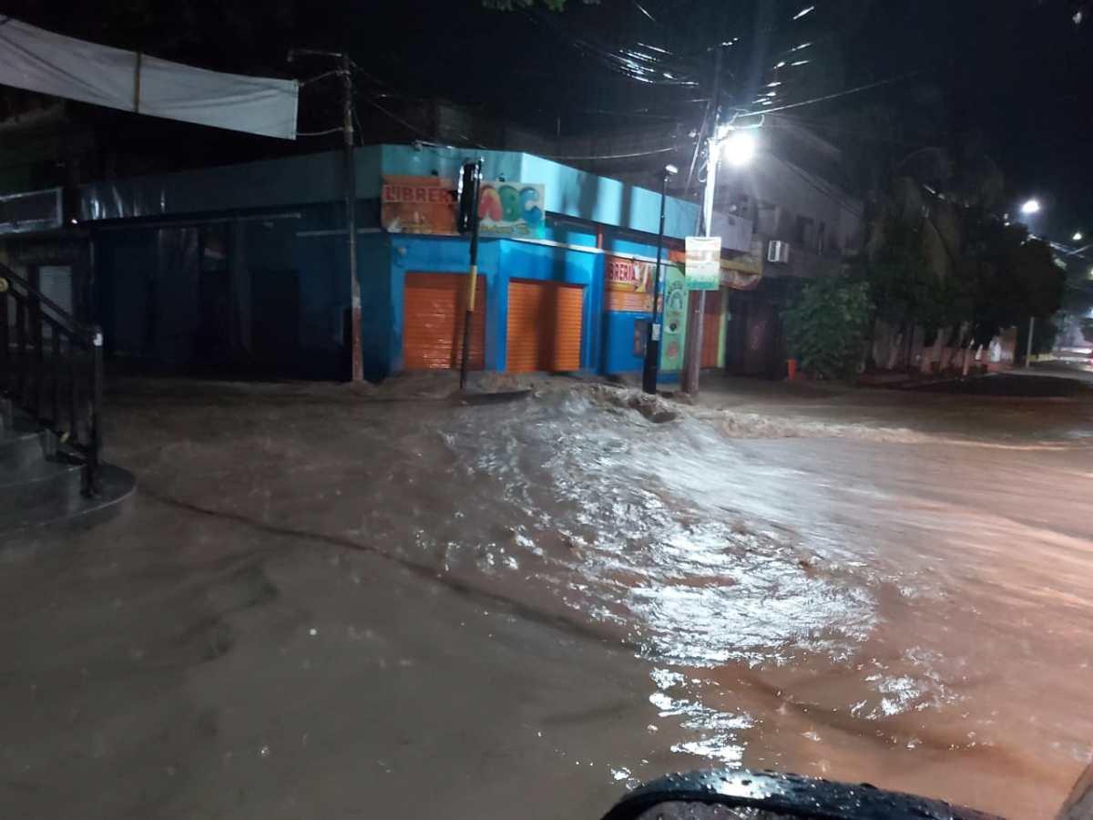 Galería: fuertes lluvias causan evacuaciones y daños en viviendas en tres departamentos