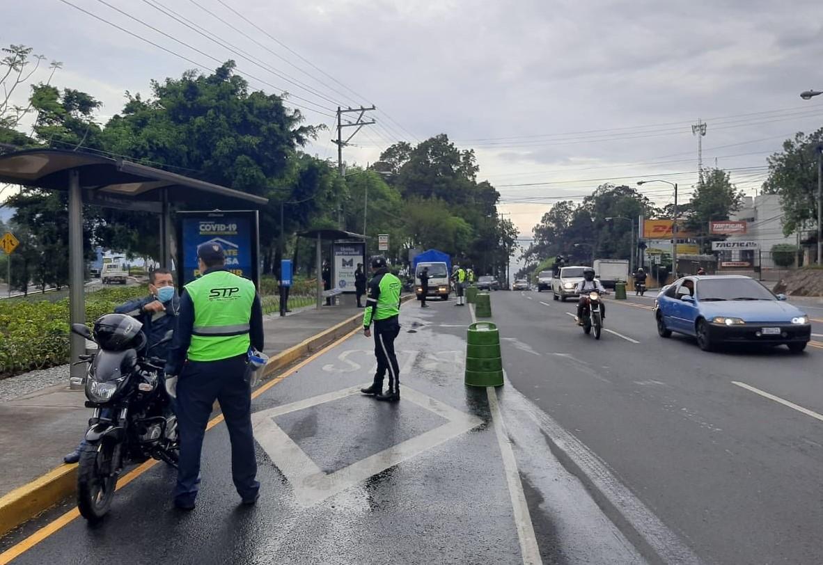 Celebración del Día de la Madre provoca la movilidad de 350 mil vehículos en cuarentena por coronavirus
