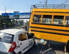 Durante el fin de semana del 1 al 3 de mayo se reportaron varios accidentes de tránsito. (Foto Prensa Libre: Bomberos Voluntarios)