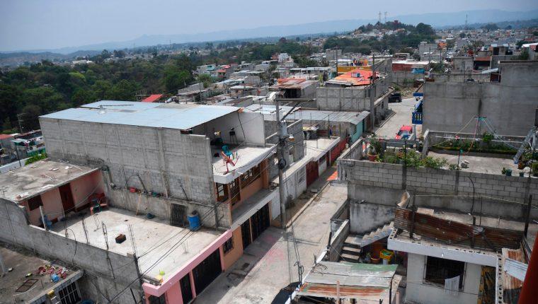 Vista de Monte Carmelo II, Lo de Mejía, San Juan Sacatepéquez, bajo el cordón sanitario por casos de covid-19, el 12 de mayo de 2020. (Foto Prensa Libre: AFP)