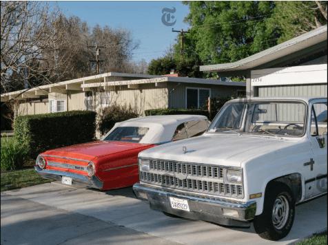Autos estacionados afuera de una cochera en San Francisco, el 13 de febrero de 2015. (Jason Henry/The New York Times)