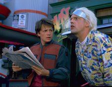 Los protagonistas de la cinta Michael J. Fox y Christopher Lloyd conversarán cada uno desde sus casas. (Foto Prensa Libre: FB Back to the Future Trilogy)