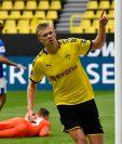 Erling Haaland celebra su anotación el pasado sábado contra el Schalke 04. (Foto Prensas Libre: EFE)