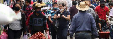 En Quetzaltenango se observó aglomeraciones en los mercados. (Foto Prensa Libre: Raúl Juárez)