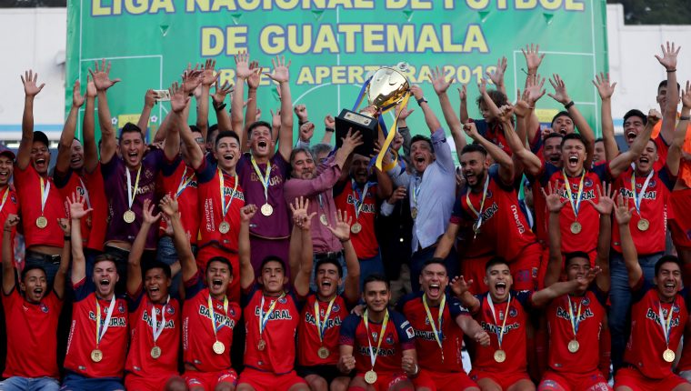 Los rojos son lo últimos campeones en torneo cortos. (Foto Prensa Libre: Hemeroteca PL)