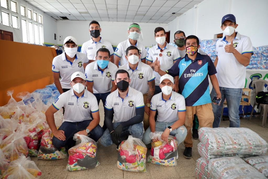 Jugadores del Deportivo Mixco hacen colecta y compran víveres para afectados por covid-19