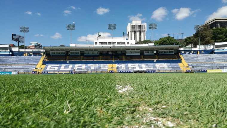 El balón volverá a rodar en Guatemala en agosto o septiembre. (Foto Prensa Libre: Luis López)