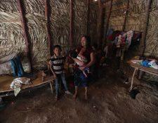 La familia García vive en Tisipe Centro,  Camotán, Chiquimula. Las condiciones de pobreza en su hogar dificulta tener alimento para los cinco niños que allí viven. (Foto Prensa Libre: Érick Ávila)