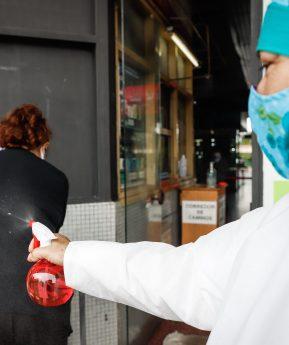 Coronavirus: ¿rociar las calles con desinfectante es eficaz?