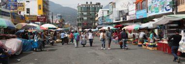 La disminución de compradores ayudó a evitar las aglomeraciones. (Foto Prensa Libre: María Longo)