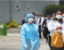 La Asociación de Neumólogos de Guatemala propone un protocolo unificado de atención a los pacientes más leves. (Foto Prensa Libre: HemerotecaPL)