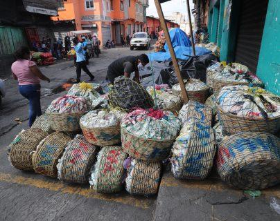 Las restricciones en los mercados cantonales y el traslado de los bienes fueron los problemas que afectaron a los productores en mayo, según determinó una encuesta de Camagro. (Foto Prensa Libre: Hemeroteca)