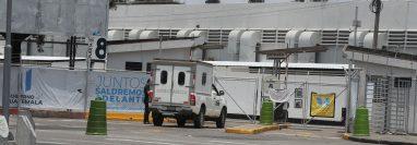 Profesionales sanitarios renunciaron en bloque ante los cambios en jornadas de trabajo y falta de pago. (Foto Prensa Libre: Hemeroteca PL)