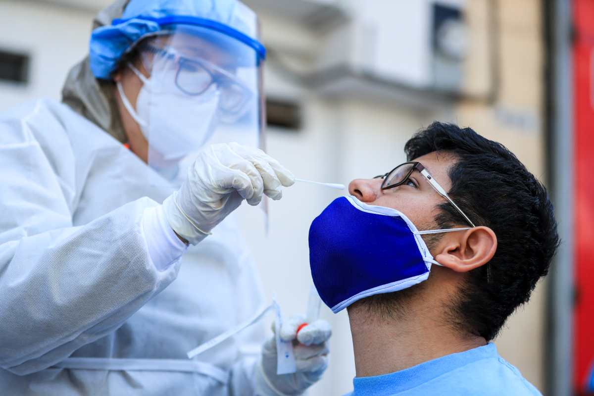 Entidades compran diferentes tipos de pruebas para la detección de coronavirus
