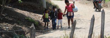 En el municipio de Gualán, Zacapa, la pobreza en que viven los habitantes de las áreas rurales ocasiona que más niños se vean amenazados por la desnutrición aguda. (Foto Prensa Libre: Érick Ávila)