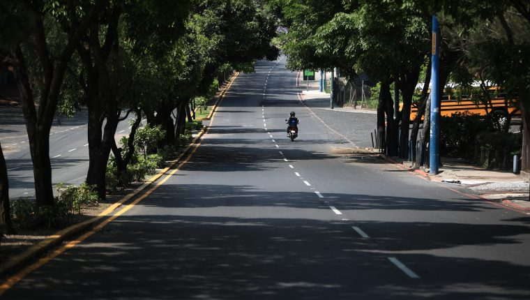 Guatemala vivió este 23 de mayo un toque de queda total. (Foto Prensa Libre: Carlos Hernández)