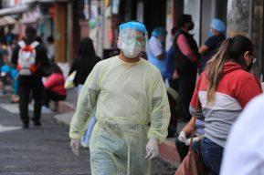 Fotogalería: lo que sucede alrededor de hospitales por la emergencia del Coronavirus