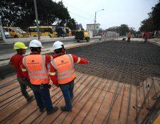 La Municipalidad de Guatemala planifica la construcción de 23 pasos a desnivel y cuatro corredores viables para 2020-2021, informó el alcalde Ricardo Quiñonez. (Foto Prensa Libre: Hemeroteca)