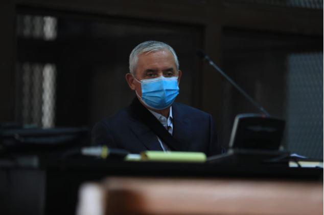 Expresidente Otto Pérez Molina llega a tribunales para pedir salir de prisión por el coronavirus