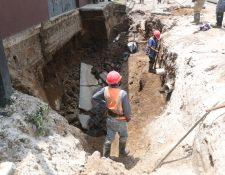 Los trabajos para reparar el hundimiento de la zona 7 de Xela iniciaron este sábado 9 de mayo. (Foto Prensa Libre: María Longo)