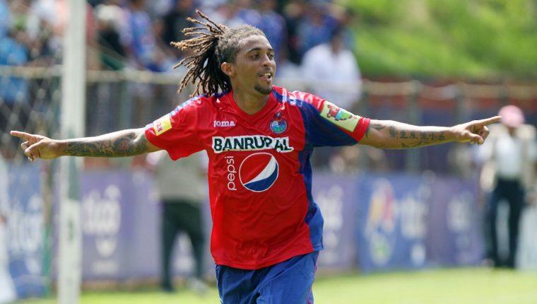 Guillermo 'el Pando' Ramírez es uno de los jugadores más recordados en Municipal. (Foto Prensa Libre: Hemeroteca PL)
