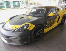 El 718 Cayman GT4 Clubsport ha sido fabricado exclusivamente para usarse en las pistas. Foto Prensa Libre: Norvin Mendoza