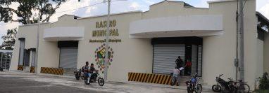 Remodelación del Rastro Municipal de Mazatenango concluyó en septiembre de 2019; sin embargo, a la fecha permanece sin ser habilitado. (Foto Prensa Libre: Marvin Túnchez)