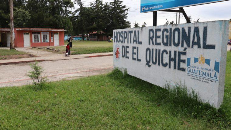 Muere hombre en área de aislamiento de coronavirus en el hospital Regional de Quiché, esperaba resultados de hisopado. (Foto Prensa Libre: Héctor Cordero)