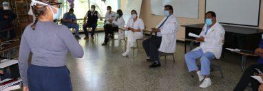 Médicos del Hospital Regional de Quiché exige que se les proteja al ser asignados al área de coronavirus. (Foto Prensa Libre: Héctor