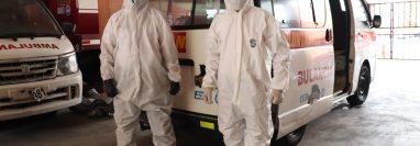 Ante incremento de casos positivos de covid-19 en el departamento, socorristas han incrementado las medidas de prevención para sus voluntarios. (Foto Prensa Libre: Marvin Túnchez)