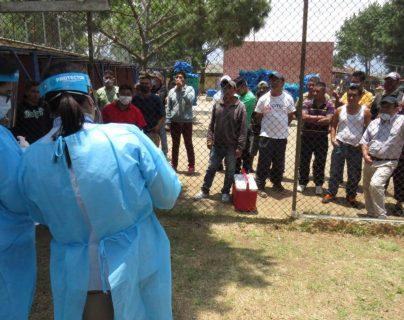 Relatores piden que el Sistema Penitenciario tome medidas de prevención adecuadas para evitar un contagio de coronavirus en las cárceles de Quetzaltenango. (Foto Prensa Libre: María Longo)